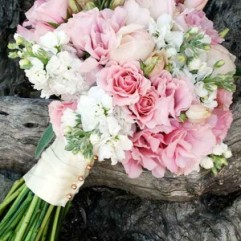 24-gorgeous-summer-wedding-bouquets-colin-cowie-celebrations-300x500