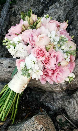 24-gorgeous-summer-wedding-bouquets-colin-cowie-celebrations-300x500.jpg