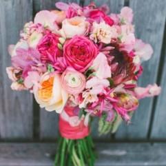 24-gorgeous-summer-wedding-bouquets-love-lit-wedding-photography-1-300x500
