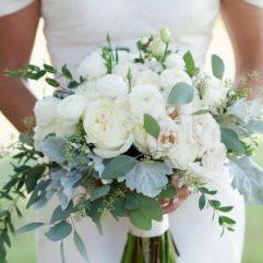 gorgeous-summer-wedding-bouquets-iris-photography-jane-shauck-4-1-300x500