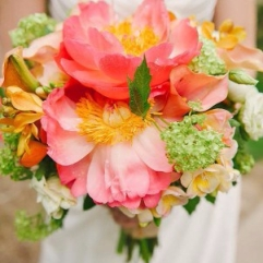 gorgeous-summer-wedding-bouquets-jessica-bosse-photography1-301x500